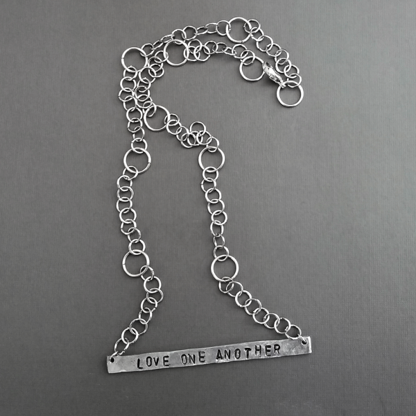 personalized horizontal bar necklace