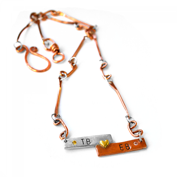 Close in Heart horizontal bars necklace
