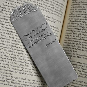 Bookshelf Bookmark lifestyle photo